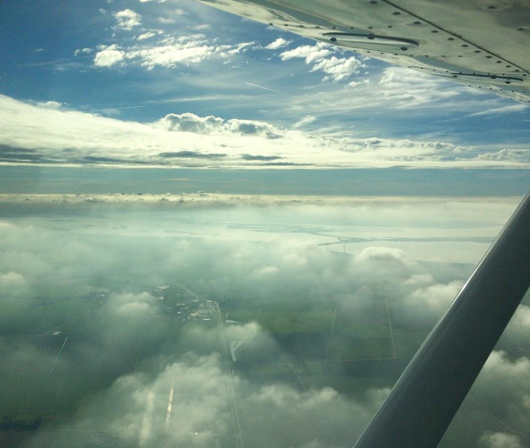 wolkenluchten tijdens training - Lion Air