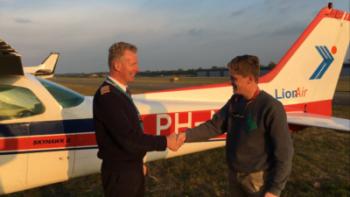 First Solo 's avond op Vliegveld Seppe - Lion Air