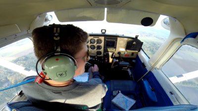 Leerling oefent solo (zelfstandig) zijn landingen - Lion Air