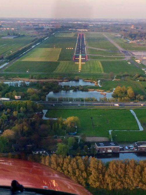 vliegles - final baan 06 Rotterdam Airport - Lion Air
