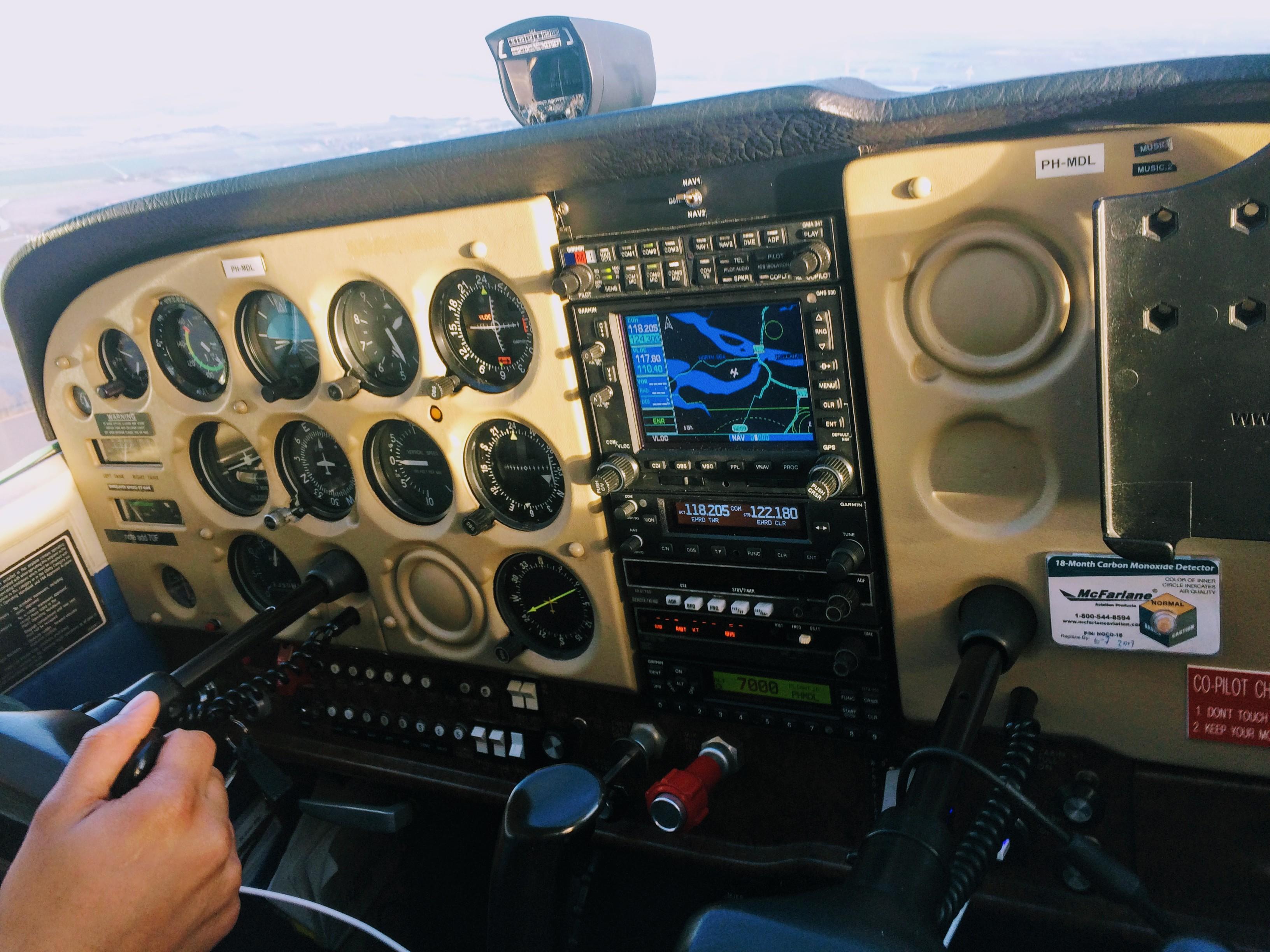 cockpit Cessna 172N Lion Air